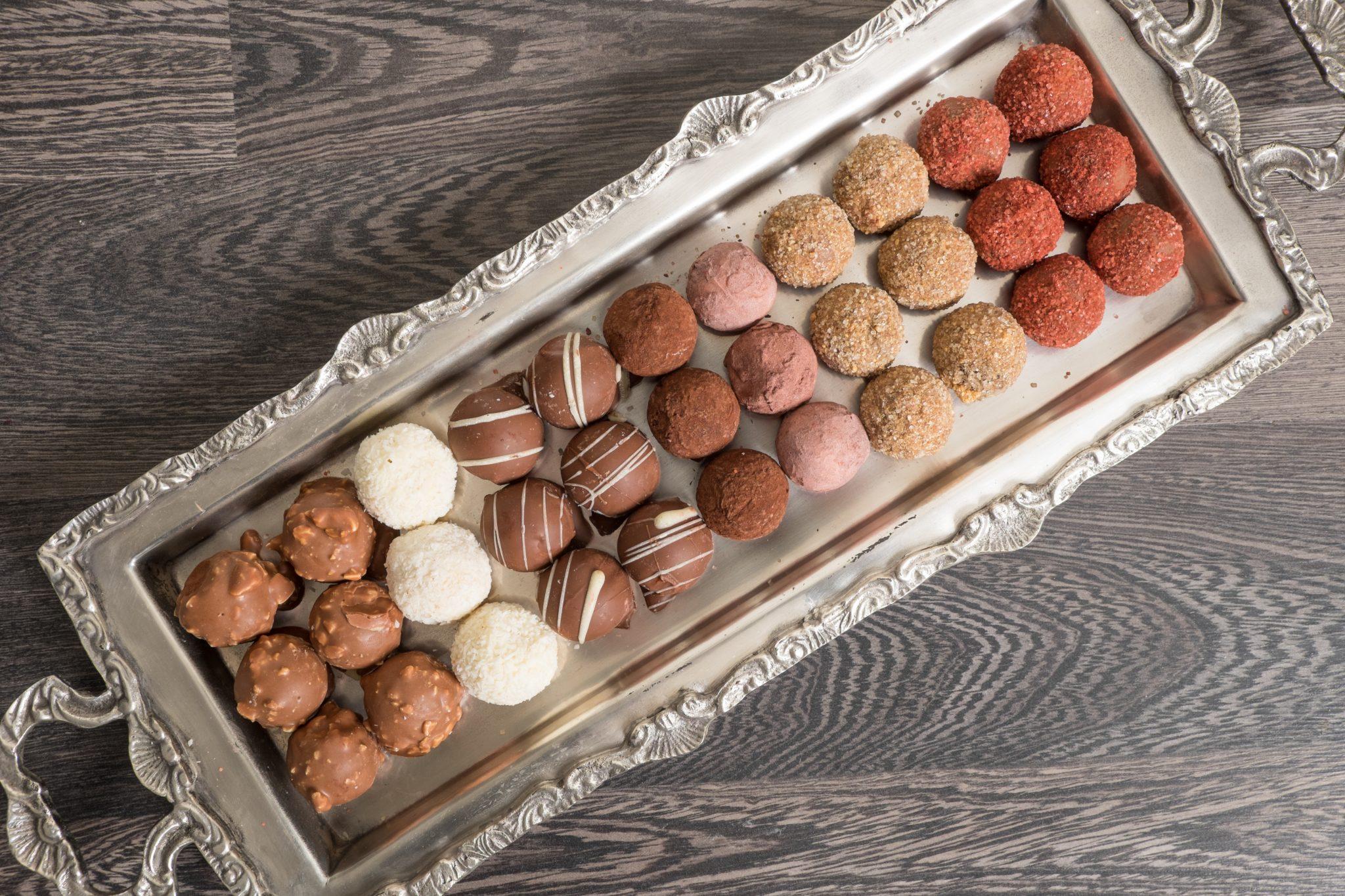 Στρογγυλα-Σοκολατάκια-Διάφορες-Γεύσεις